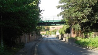 Hartley-Kent: Hoselands Hill, Railway Bridge