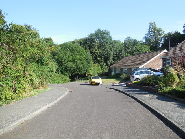 Hartley-Kent: End of Beechlands Close and Hartley Wood