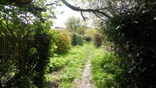 Hartley-Kent: Fairby Lane - Footpath from Farm View to Black Lion