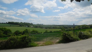 Hartley-Kent: Grange Lane, view across Hartley Bottom Valley